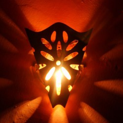 Nástěnné lampy z tepané měďi